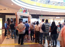 Angry Birds la Sun Plaza Shopping Center - coada